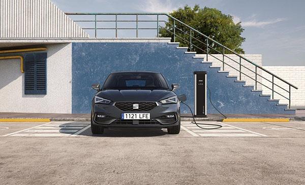 El nou Seat León, també disponible en versió híbrida endollable