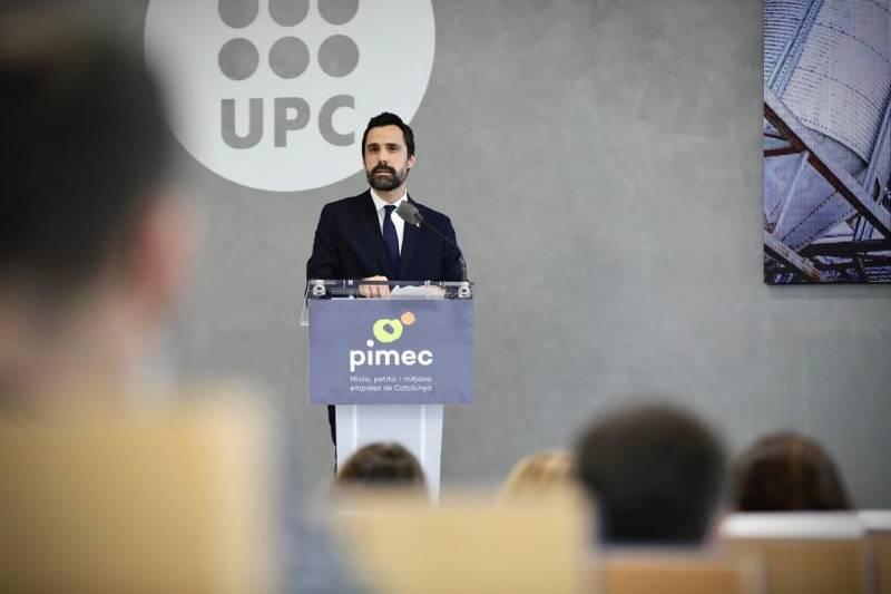 Fotografia del conseller durant la seva intervenció en la cimera Som Indústria